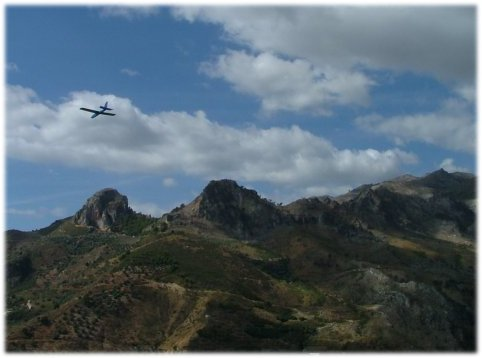 A different flying site - great backdrop!